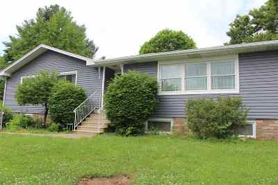 Bettendorf Single Family Home For Sale: 5610 North Street