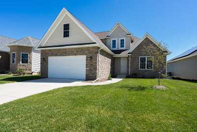 Le Claire Single Family Home For Sale: 10 Greystone