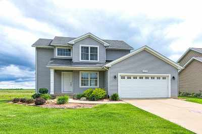 Eldridge Single Family Home For Sale: 305 W Broadmoor