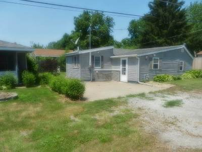 Single Family Home For Sale: 1102 Walnut