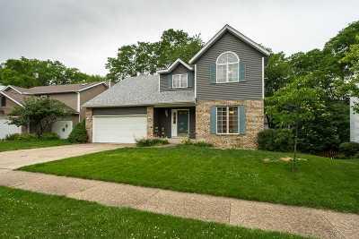 Bettendorf Single Family Home For Sale: 4466 Winston