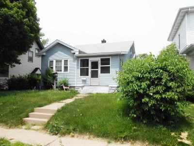 Davenport IA Single Family Home For Sale: $62,900