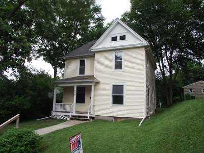 Davenport IA Single Family Home For Sale: $75,000