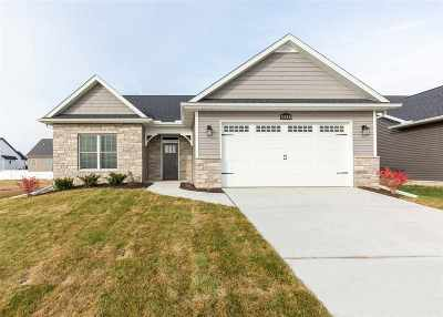 Bettendorf Single Family Home For Sale: 5388 Addyson