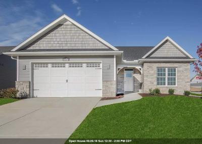 Bettendorf Single Family Home For Sale: 5476 Addyson Drive