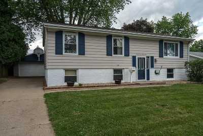 Davenport IA Single Family Home For Sale: $149,900
