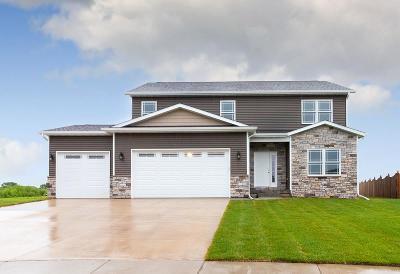 Eldridge Single Family Home For Sale: 730 E Augusta