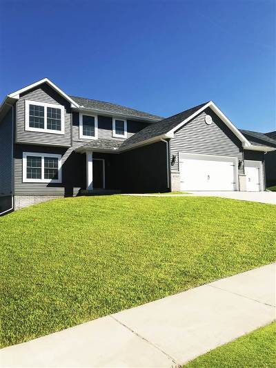 Bettendorf Single Family Home For Sale: 4332 55th Avenue