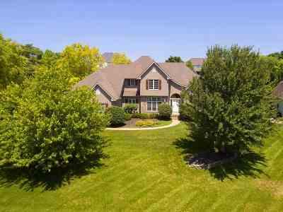 Bettendorf Single Family Home For Sale: 4831 Blackhawk Trail