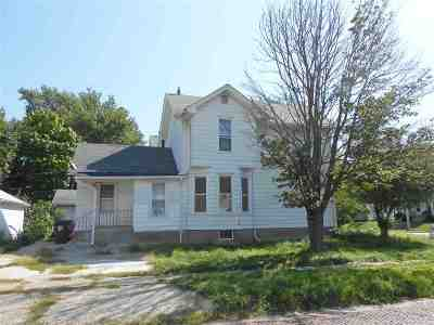 Davenport Single Family Home For Sale: 402 E 15th Street