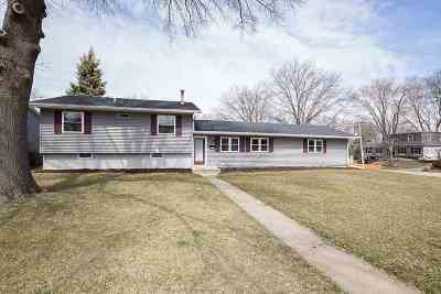 bettendorf Rental For Rent: 2218 Lincoln