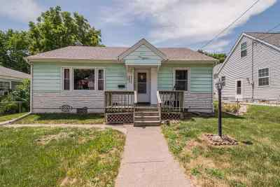 Davenport IA Single Family Home For Sale: $100,000