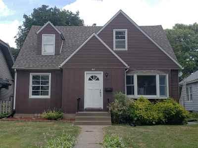 Davenport IA Single Family Home For Sale: $124,900