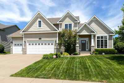 bettendorf Single Family Home For Sale: 3256 Summertree