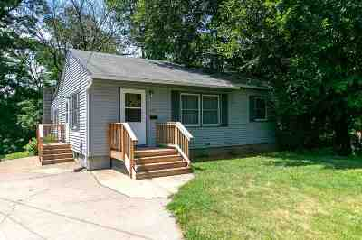 Davenport IA Single Family Home For Sale: $124,900