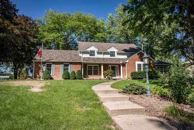 Davenport IA Single Family Home For Sale: $299,900