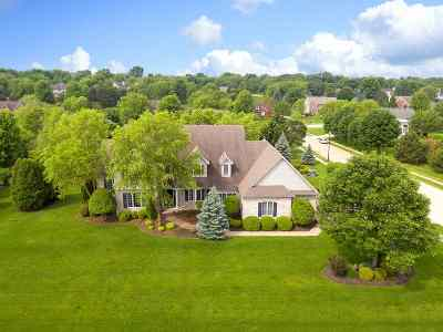 Bettendorf Single Family Home For Sale: 4964 Pigeon Creek Trail