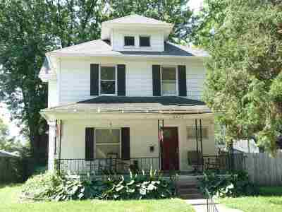 Bettendorf Single Family Home For Sale: 2829 Oak Street