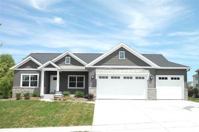Bettendorf Single Family Home For Sale: 6150 Whispering Hill Drive