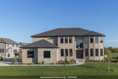 Bettendorf Single Family Home For Sale: 5523 Allison Drive