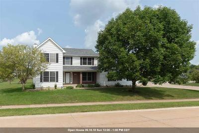 Bettendorf Single Family Home For Sale: 2003 Streamside