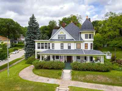Davenport IA Single Family Home For Sale: $355,000