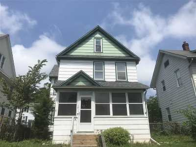Davenport IA Single Family Home For Sale: $80,900