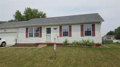 Davenport IA Single Family Home For Sale: $130,000