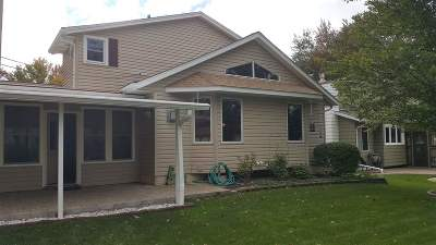 Bettendorf Single Family Home For Sale: 2354 Queens Court