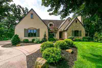 Le Claire Single Family Home For Sale: 28213 230th Street Court