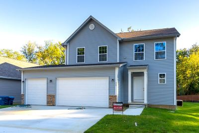 Le Claire Single Family Home For Sale: 504 Davenport Street