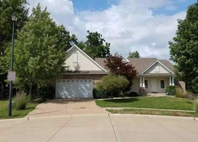 Bettendorf Single Family Home For Sale: 4064 Chris Court