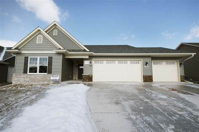 Bettendorf Single Family Home For Sale: 3756 Deckard Drive
