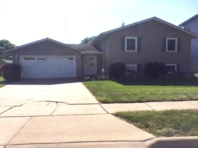bettendorf Single Family Home For Sale: 3465 Overland Drive