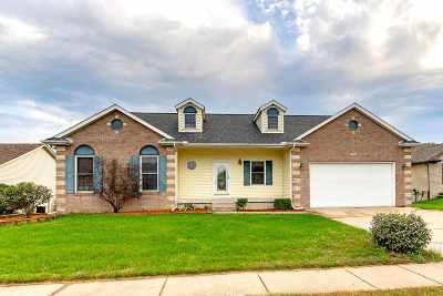 Eldridge Single Family Home For Sale: 797 E Sheridan Drive