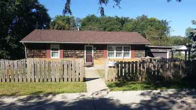 Bettendorf Single Family Home For Sale: 19 Central Lane