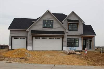 Bettendorf Single Family Home For Sale: 6024 Settler's Pointe Circle