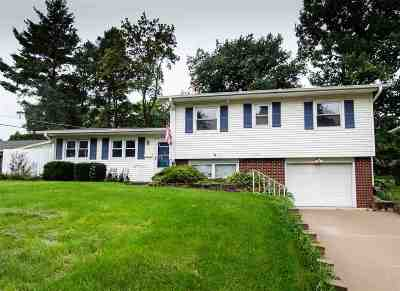 Bettendorf Single Family Home For Sale: 1440 14th Street