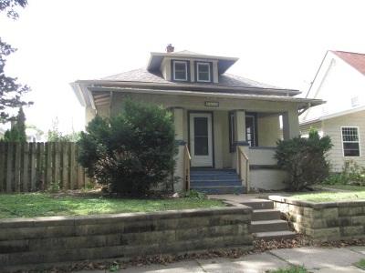 Davenport Single Family Home Contingent: 2810 Iowa Street