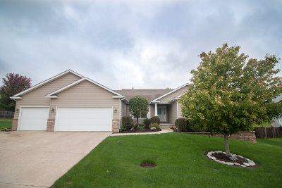 Bettendorf Single Family Home For Sale: 5529 Joshua Street