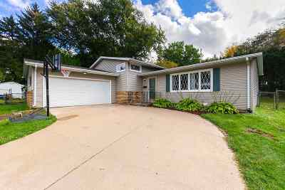 Bettendorf Single Family Home For Sale: 2535 Bayberry Court