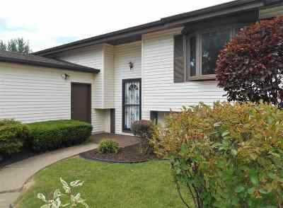 Bettendorf Single Family Home For Sale: 3840 Manchester Drive