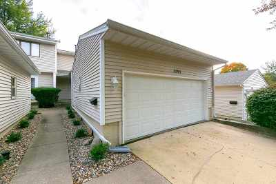 Bettendorf Condo/Townhouse For Sale: 3293 Johnathan Avenue