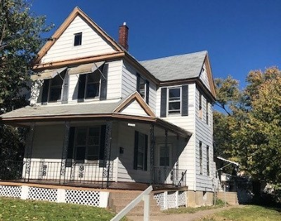 Davenport IA Single Family Home For Sale: $79,900