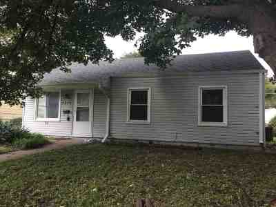 Davenport IA Single Family Home For Sale: $124,999