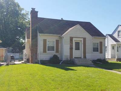 Davenport IA Single Family Home For Sale: $127,000