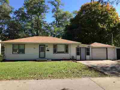 Davenport IA Single Family Home For Sale: $120,000