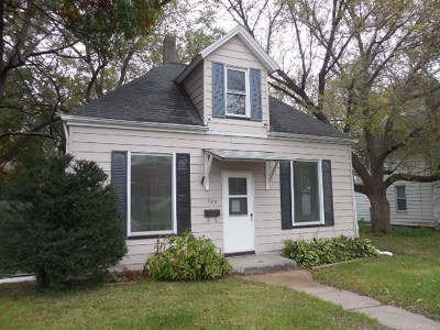 Davenport IA Single Family Home For Sale: $52,000