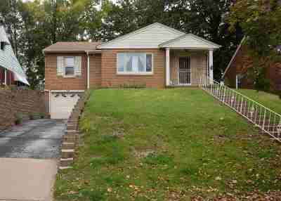 Davenport IA Single Family Home For Sale: $153,000