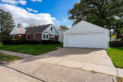 Davenport IA Single Family Home For Sale: $155,000